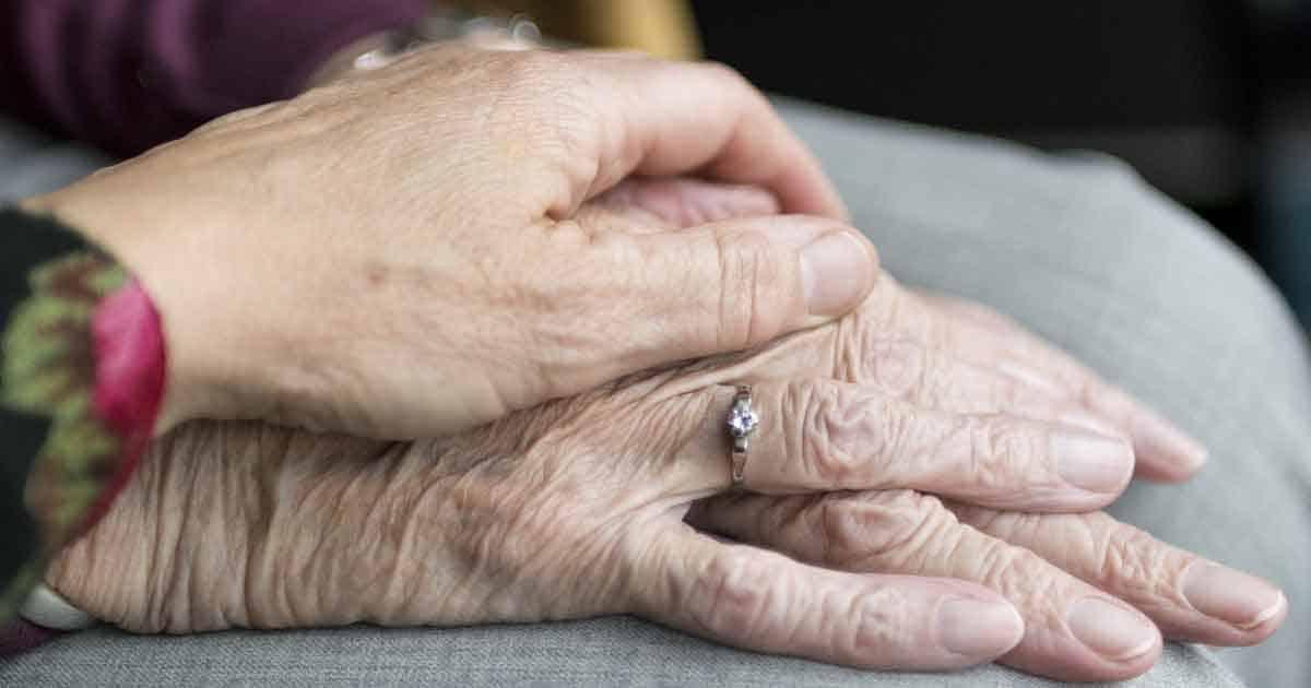 """24 Stunden Pflege/ Betreuung – Daheim statt """"Senioren-Heim"""""""