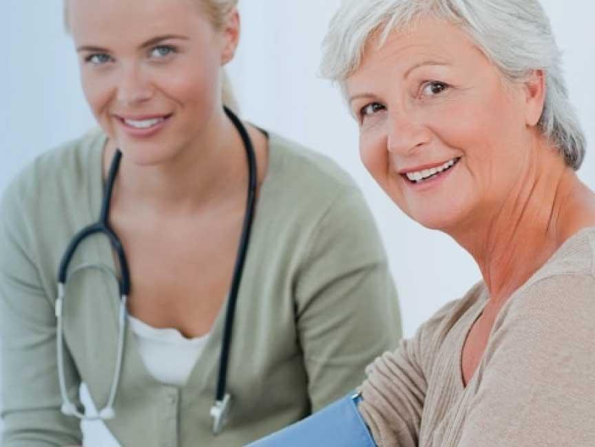 Wenn pflegebedürftige Senioren auch künftig in ihrer gewohnten Umgebung zuhause leben möchten, bieten wir Ihnen die sogenannte 24 Stunden Pflege daheim