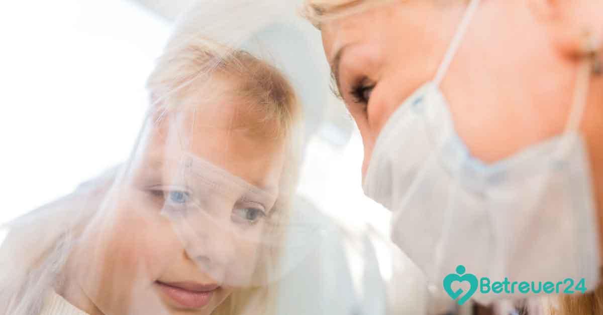 Pflegeheim – Abstandhalten / 24 Stunden Pflege